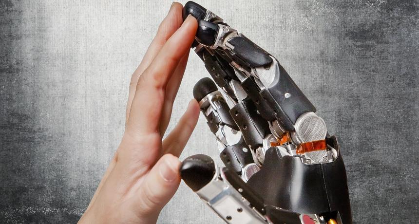 اعضای مصنوعی آینده حس لامسه خواهند داشت!