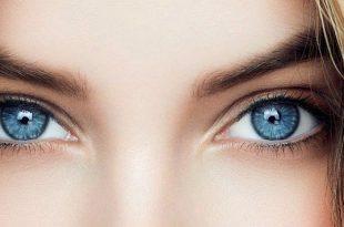 دختر با رنگ چشم آبی
